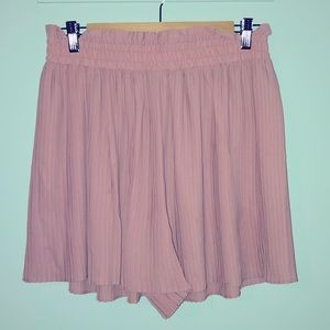 High waisted ruffle short